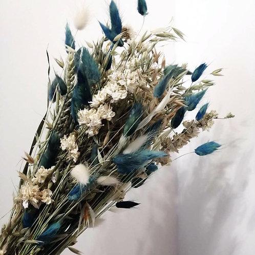 Bouquet composition variée de fleurs naturelles séchées bleu vert