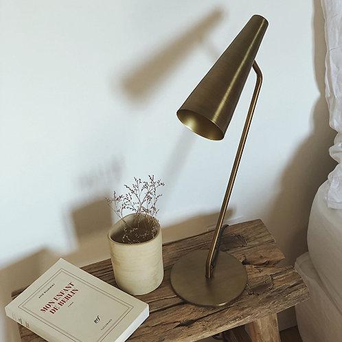 Lampe sur pied à poser en métal doré originale et design