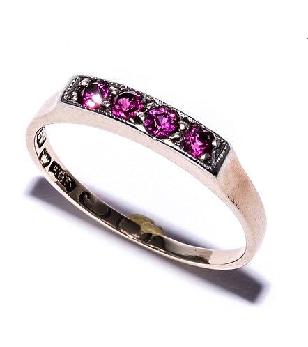 Roségold Ring mit Rubinen