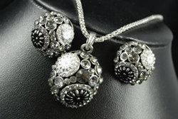 Diamante & Enamel Floral Necklace set