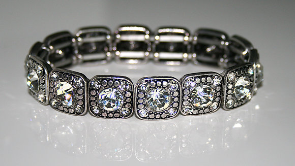 Vintage Austrian Crystal stretch bracelet