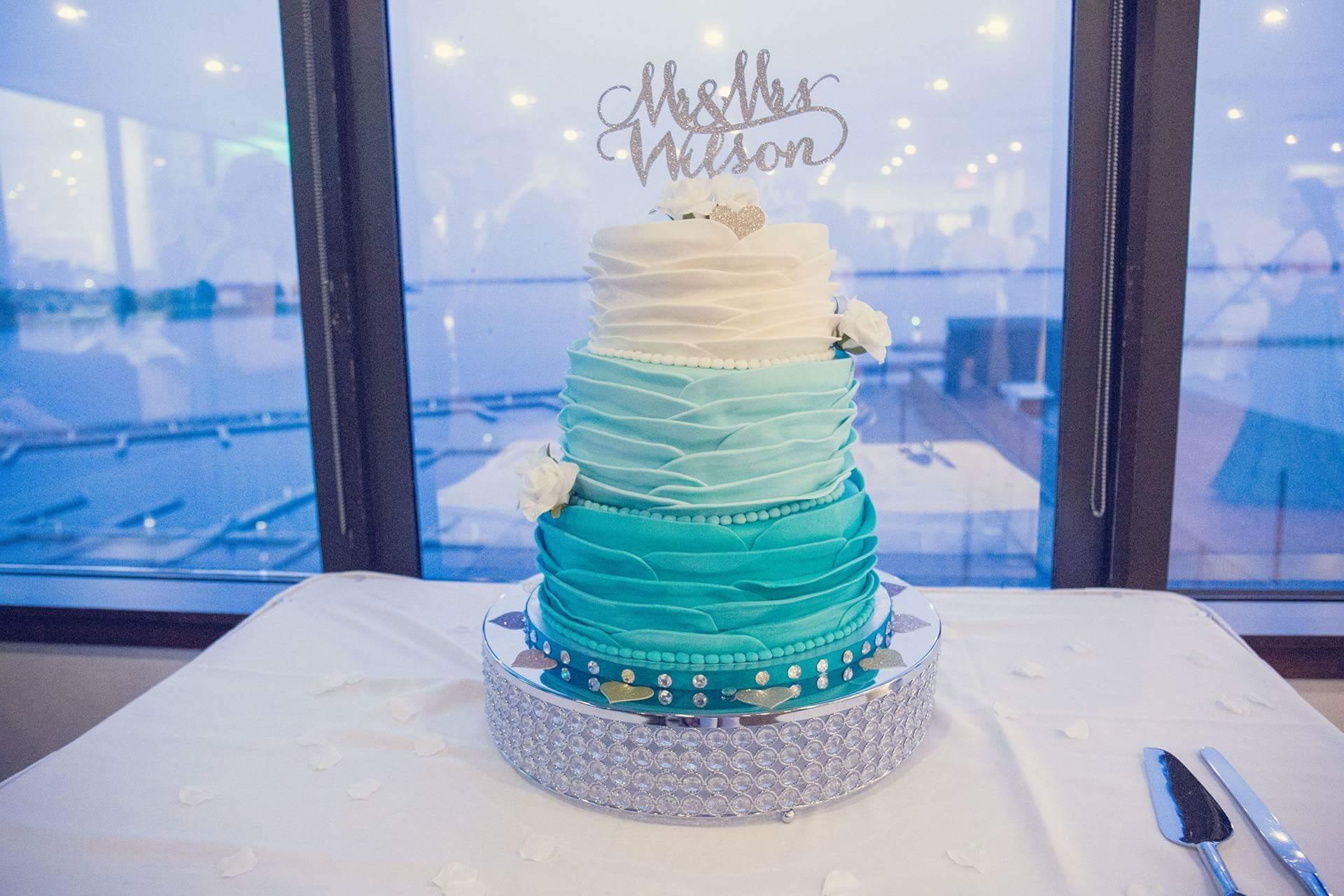 Acrylic Diamond Cake Stand