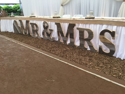 Mr&Mrs large floor sign