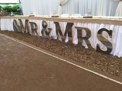 Mr&Mrs large floor sign
