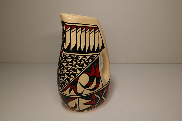 Pitcher 10 x 6 in.