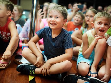 12 powodów, dla których warto zabrać dziecko do teatru