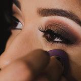 brown-eyeshadow-makeup-4006692.jpg