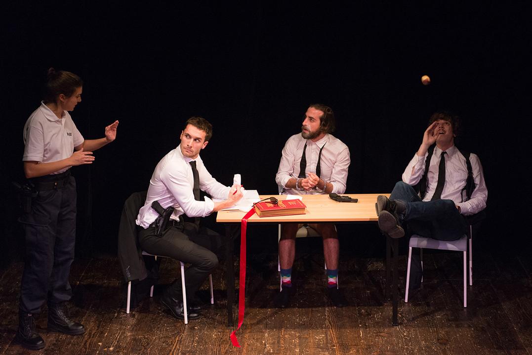 theatre-enquete-d-amour-05.jpg