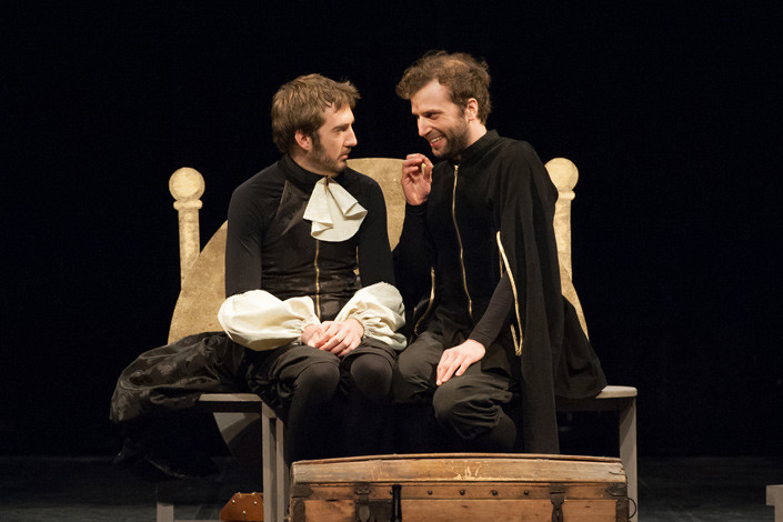 theatre-ruy-blas-lesmoutonsnoirs-04.jpg
