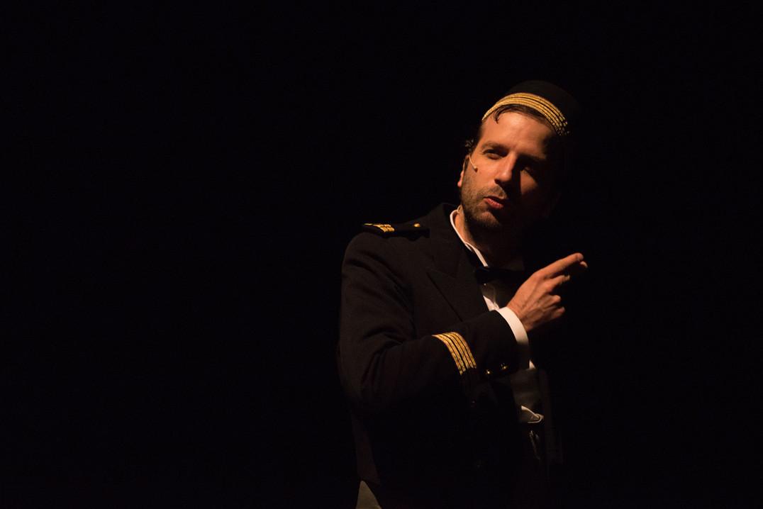 theatre-titanic-lesmoutonsnoirs-01.jpg