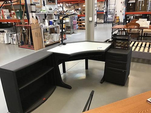 M260 - 4-Piece Rubbermaid Desk Set