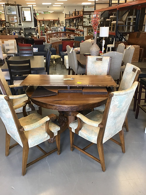 M279 - Claw Foot Table with Leaf & 5 Chairs