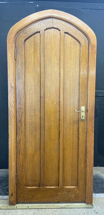 SOLID OAK DOOR AND FRAME ANTIQUE PERIOD RECLAIMED TUDOR ARCHED HARDWOOD 1930s