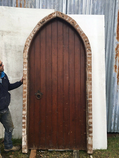 LARGE TUDOR GOTHIC FRONT DOOR ANTIQUE PERIOD RECLAIMED OLD ARCHED FRAME PINE