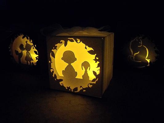 lanterne di cartoncino intagliato