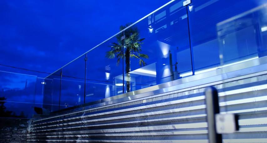 Caspio Glass Stainless Steel Waterfall
