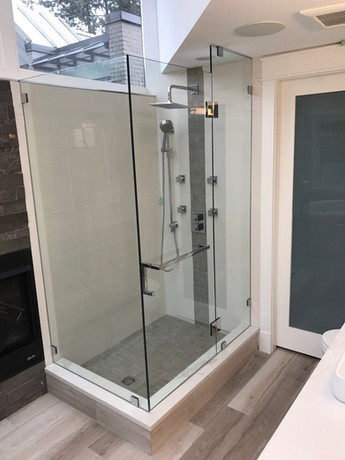 Caspio Glass Sliding Shower