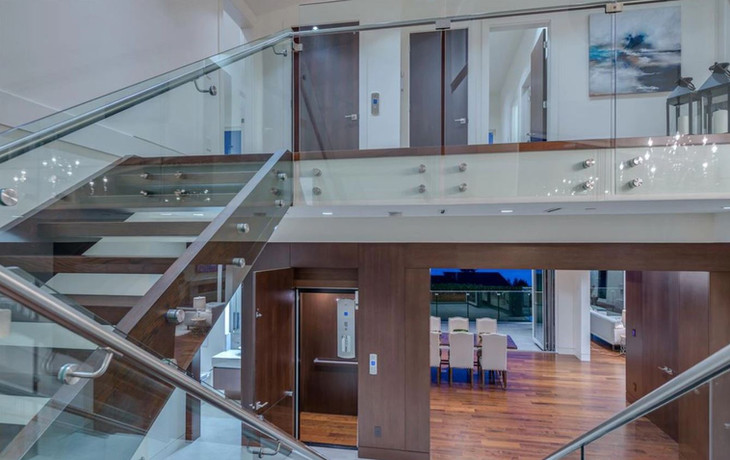 Caspio Glass Interior Glass Railing & Welded Handrail