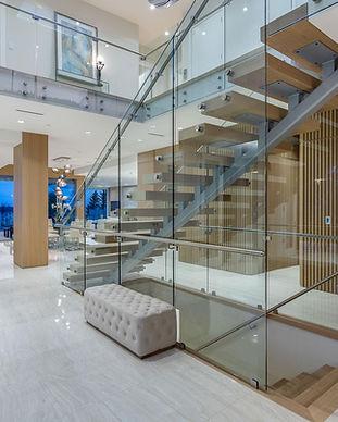 Caspio Glass Floating Stairs & Glass Rai