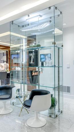 Caspio Glass Floor to Ceiling Glass Display