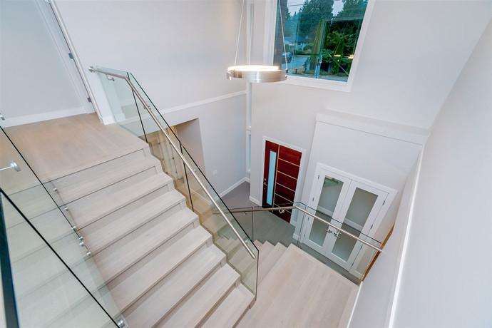 Caspio Glass Stairs
