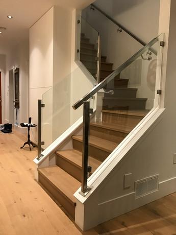 Caspio Glass Staircase Glass & Stainless Steel Post Railing