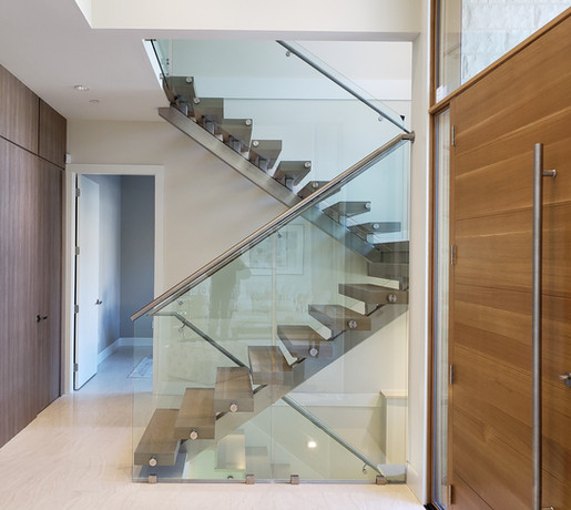 Caspio Glass Stainless Steel Stringer & Glass Railing With Continuous Welded Handrail