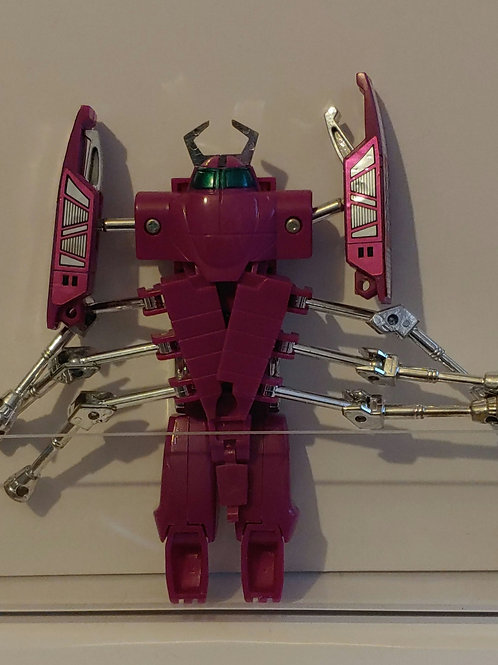 Unknown transforming figure- may be a knock off