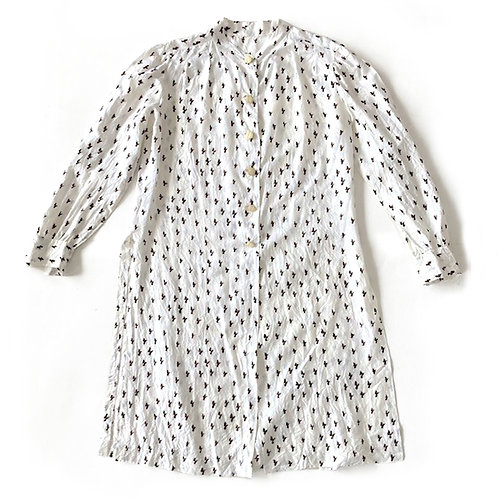 Longue chemise en soie (partie d'un ensemble jupe culotte)