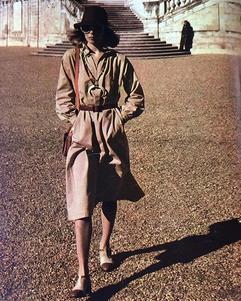 photographie d'Helmut Newton dans le magazine Marie Claire, 1974
