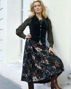 Catherine Deneuve en Saint Laurent