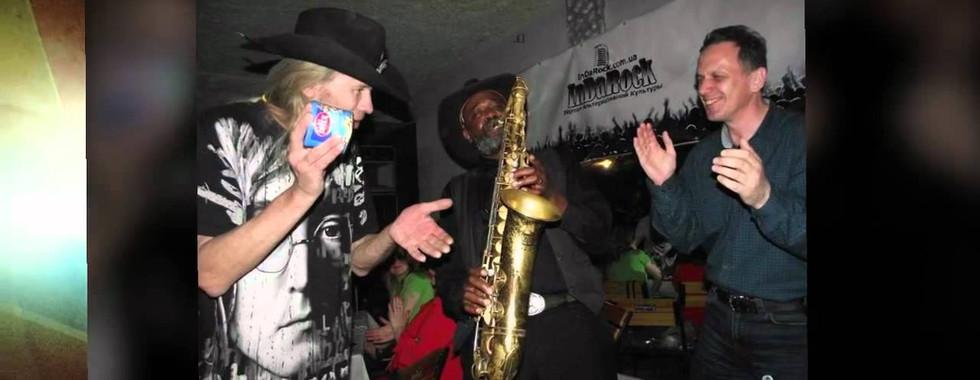 Big Walker, saxophone and photos