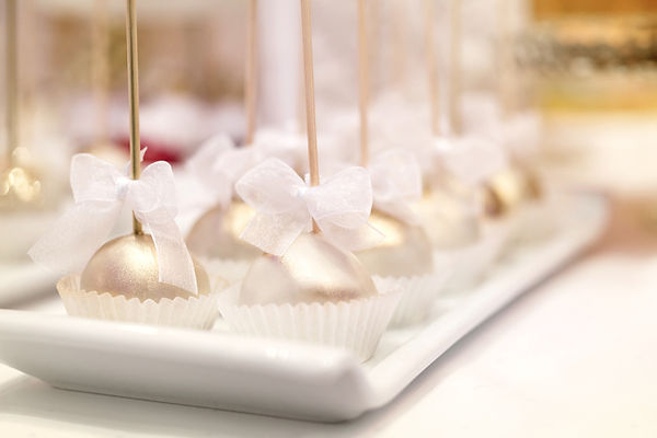 LOVE, dessrts, favors, gifts, Weddings, CakePOPs, desserts, even pannng, big day, groom, bride, white, catering, wedding caterer