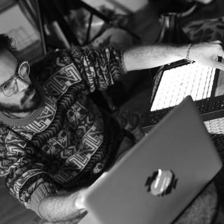 Matheus Vinhal no estudio