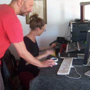 Ricardo Mansur e Laura Zimmerman pilotam as gravações sonoras