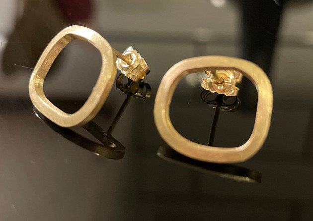 19.5 Collection small Gold earrings