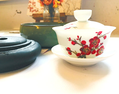 Chinese Teacups Painting - Porcelain cups with lids