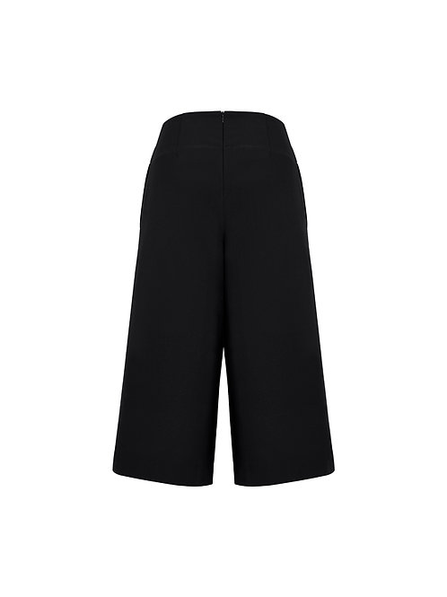 10728 Womens mid length Culotte
