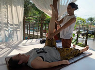 lek yoga massage 4.jpg