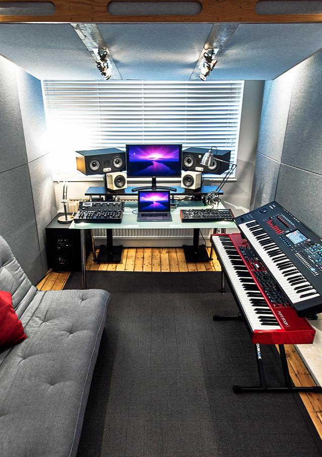 10dB Studio 01.jpg