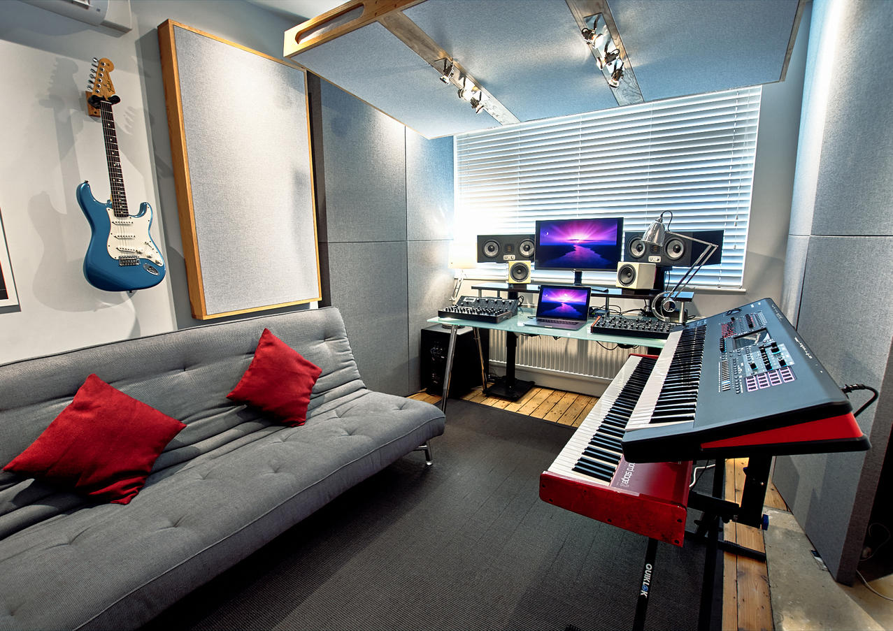 10dB Studio 02.jpg