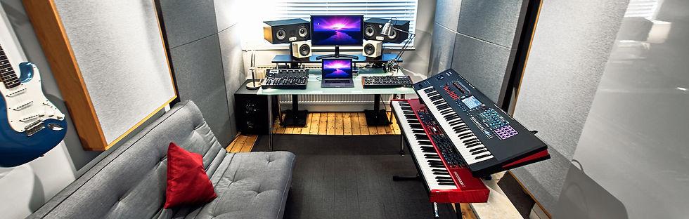 10dB Studio 01 Narrow.jpg
