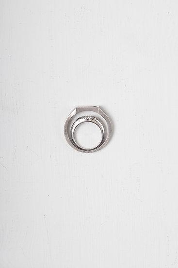 Phoney ring (stone)