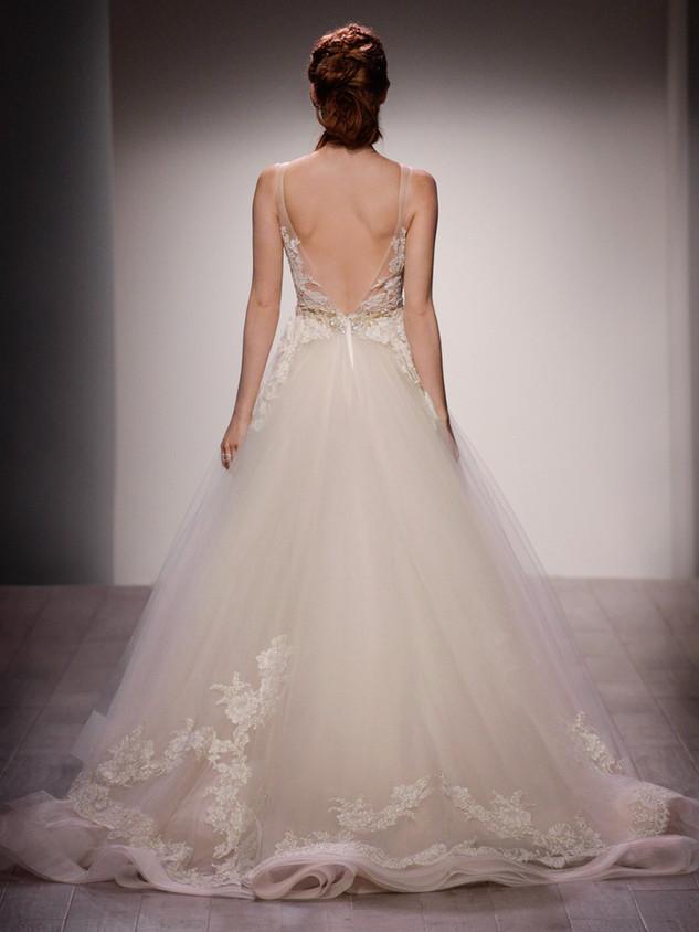 lazaro-bridal-tulle-ball-alencon-lace-metallic-beaded-natural-floral-horsehair-chapel-3607