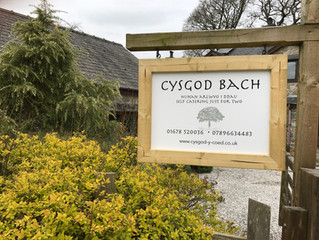 Busy morning getting ready for our new guests arriving. Cysgod Bach is looking great surrounded by t