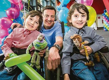Pat Kiely and kids.JPG