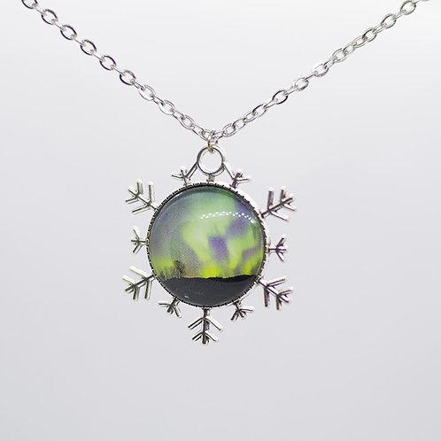 Snowflake northern lights pendant