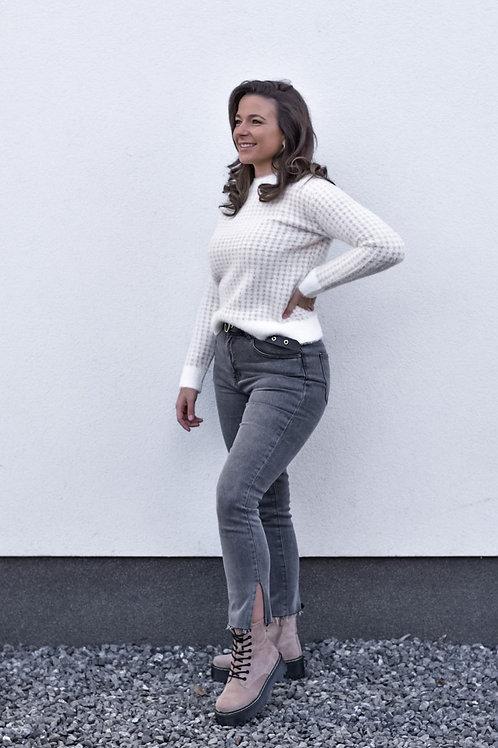 Mom fit split jeans