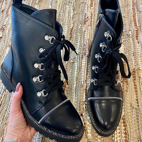 Black diamant boots