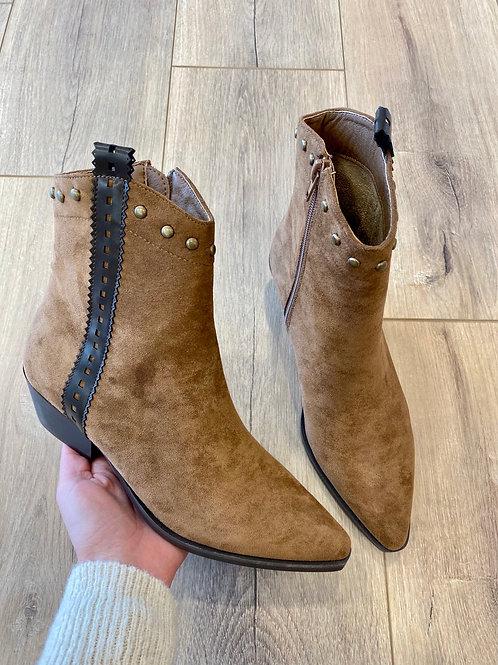 Camel velvet boots